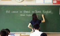 Phấn đấu đến 2025, 100% giáo viên tiếng Anh ở Hà Nội đạt chuẩn