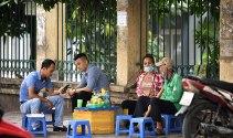 Hà Nội yêu cầu giải tỏa quán nước vỉa hè tụ tập đông người