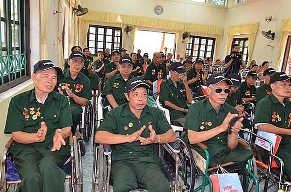 trợ cấp, phụ cấp dành cho người có công với cách mạng
