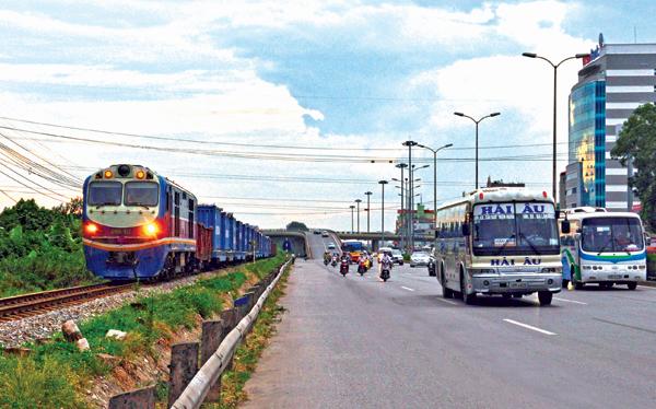 đầu tư đường sắt đường bộ