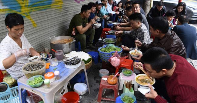 Vi phạm an toàn thực phẩm đường phố bị xử phạt ra sao?