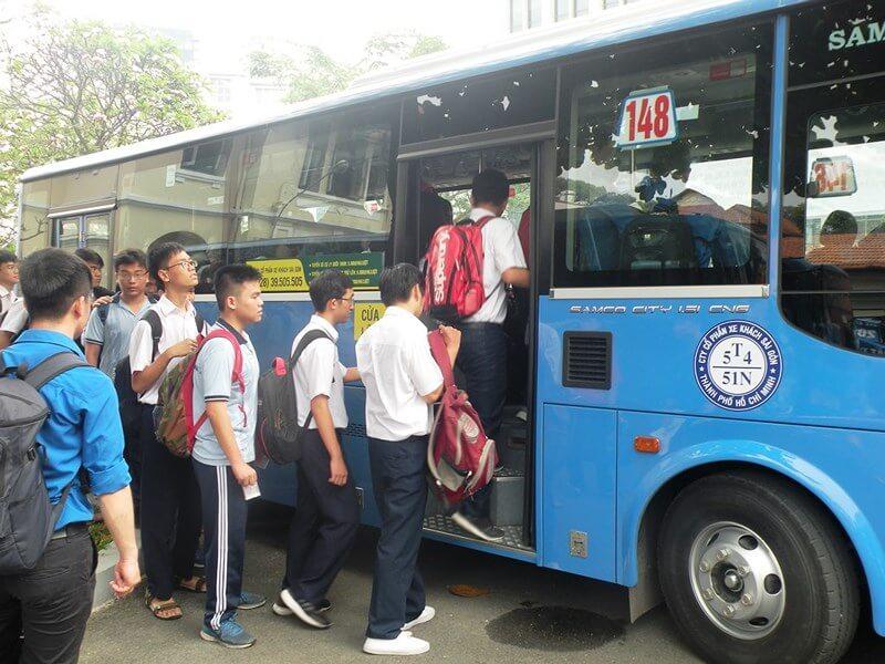 miễn phí xe buýt cho học sinh, sinh viên