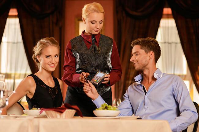 Phải lấy hóa đơn đỏ khi đi ăn ở nhà hàng để làm gì?