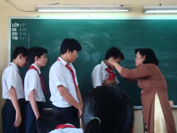 Giáo viên chửi mắng học sinh sẽ bị phạt từ 5 - 7 tháng lương