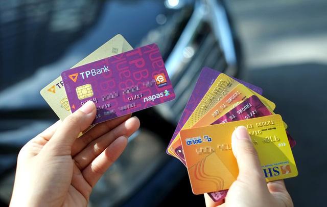 thẻ ATM gắn chip