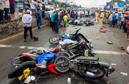 tài xế gây tai nạn tại Bến Lức